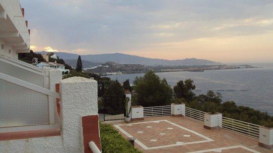 BEST WESTERN Hotel Salobrena : vistas de salobreña desde la habitación