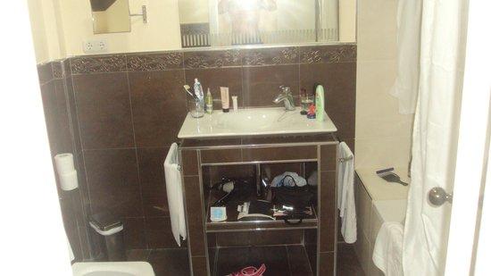 BEST WESTERN Hotel Salobrena: Baño habitación club