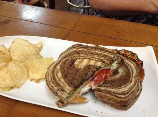 Red Cup Cafe and Deli: lunch