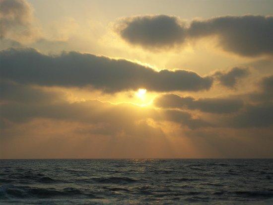 Akti Beach Village Resort: Sunset