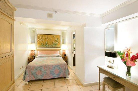 Aston Waikiki Beachside Hotel: Hotel Room Standard Interior