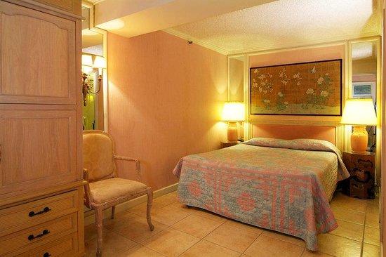 Aston Waikiki Beachside Hotel: Standard Interior Room