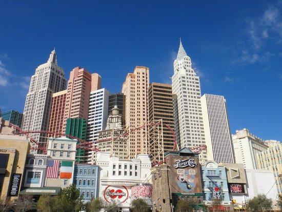 """New York - New York Hotel and Casino: """"Skyline"""" NY NY Las vegas"""