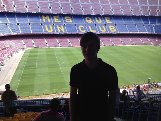 Camp Nou: Mes que un visita