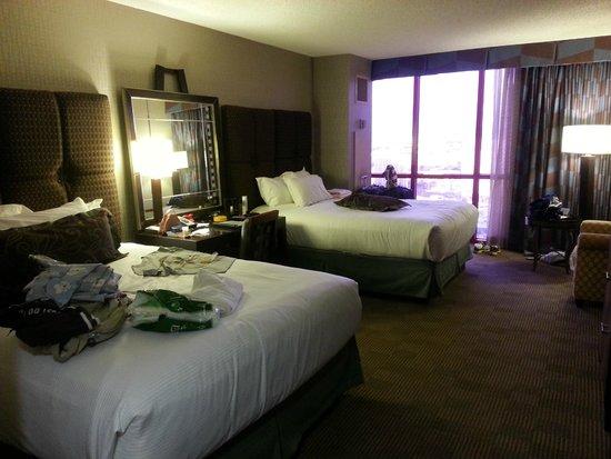 New York - New York Hotel and Casino: Quarto confortável e espaçoso.