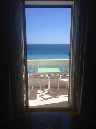 Hotel Negresco: vue sur terrasse et mer ! magique