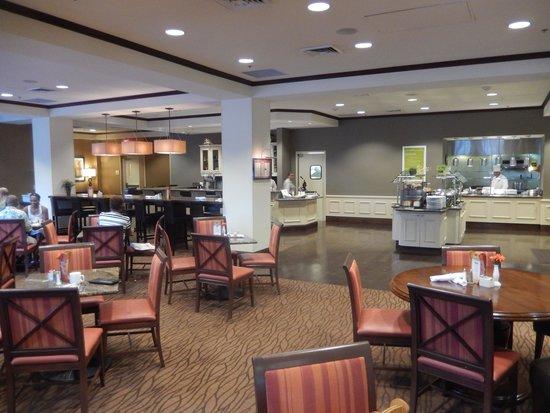 Hilton Garden Inn Phoenix Airport North : Dining Area and Bar