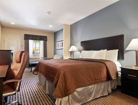 Super 8 Center: Standard 1 King Bed Room