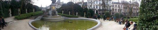 Jardin du Petit Sablon: Panaromic View of the park