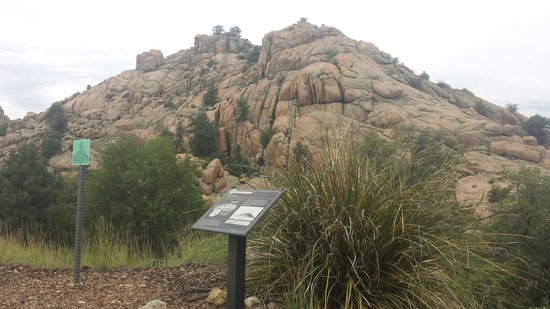 Prescott Peavine National Recreation Trail : Granite rock