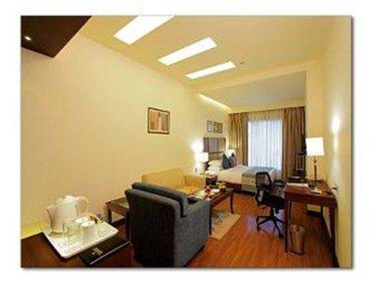 Ramada Jalandhar City Centre : Double Bed Guest Room