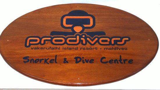 Vakarufalhi Island Resort: Dive centre
