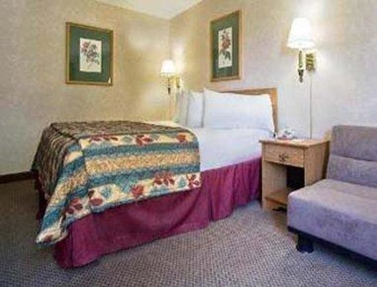 travelodge lincoln 59 6 4 updated 2018 prices. Black Bedroom Furniture Sets. Home Design Ideas
