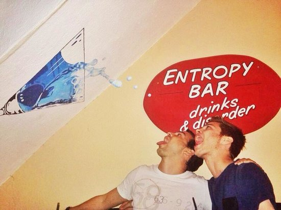 Entropy Bar: Awesome place, delicious shot and cocktails