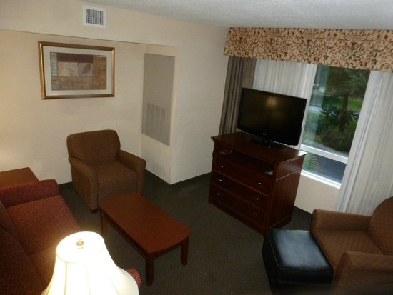 Holiday Inn Brunswick-I-95 (Exit 38) : Sitting Room