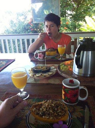 Lilikoi Inn : Il primo piatto della colazione