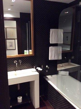 Hotel Pulitzer Roma : salle de bain ch.601