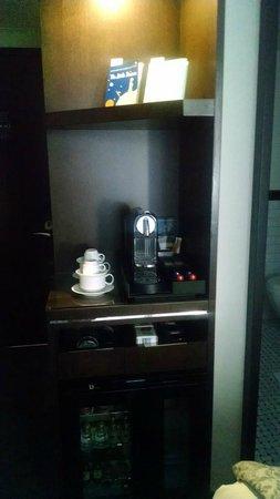 Archer Hotel New York: Espresso nook