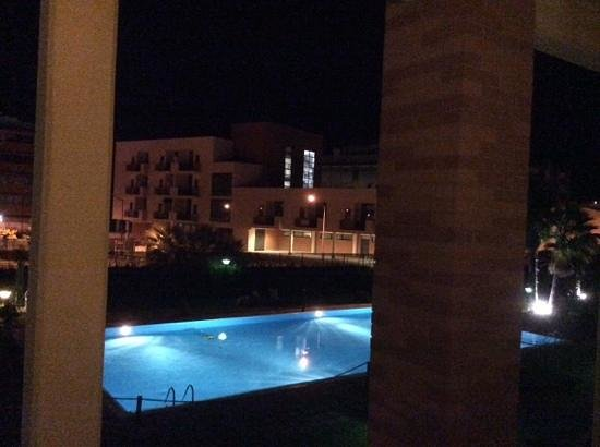 Leonardo da Vinci Rome Airport Hotel: View of the pool from room 225