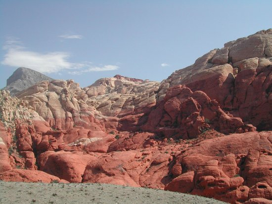 Red Rock Canyon National Conservation Area: Accent on scenic drive in Red Rock Park