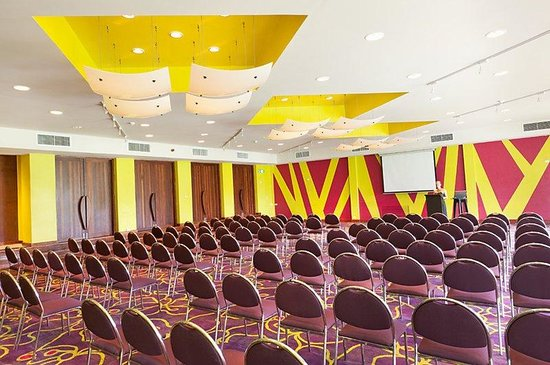 Holiday Inn Resort Vanuatu: Meeting rooms that reflect the ambience of the tropics