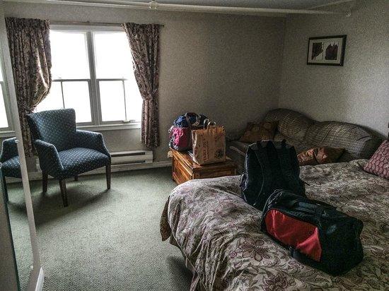 Lane's Privateer Inn: My room.