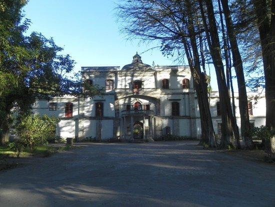 Hacienda La Cienega: Vorderansicht der Hacienda