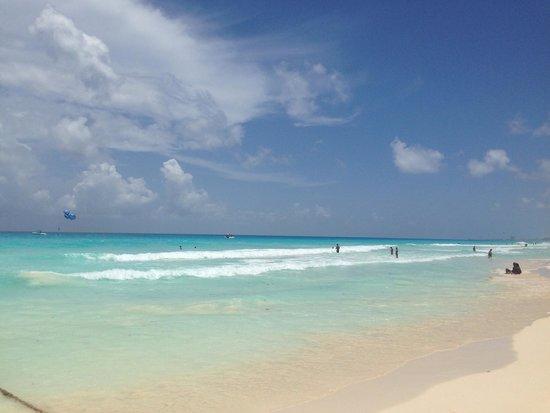 Beach Palace: La playa!!!!!