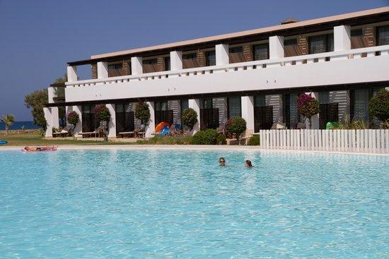 Cavo Spada Luxury Resort & Spa: Junior Suite przy basenie