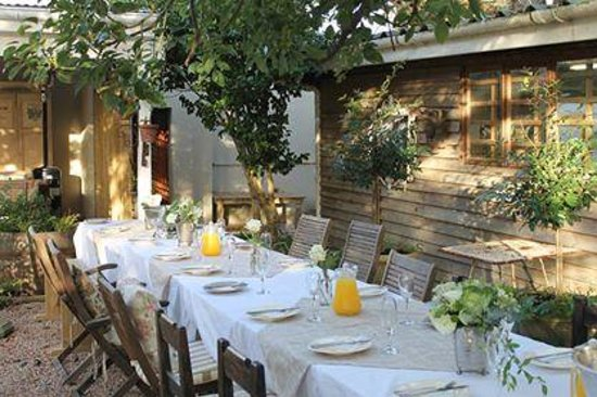 Bayleaf Cafe: A birthday party in the garden!