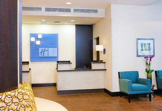 Holiday Inn Express Manhattan Times Square South: Front Desk