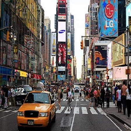 Holiday Inn Express New York - Manhattan West Side: Must see attraction Times Square just few blocks away.