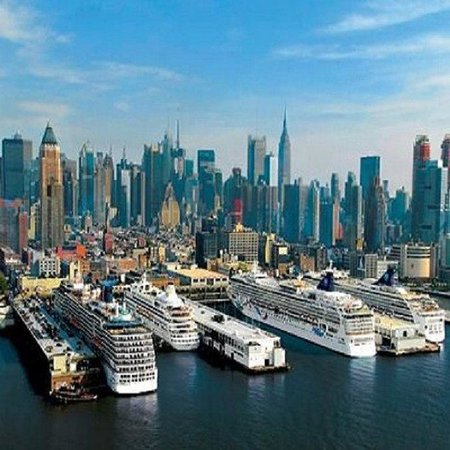 Holiday Inn Express New York - Manhattan West Side: Cruise terminal - Cruise N Stay package perfect for pre/post-stay