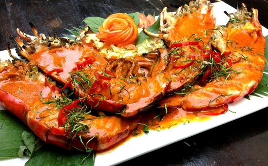Baan Rabiang Nam or River Tree House : Tiger prawns in creamy red curry