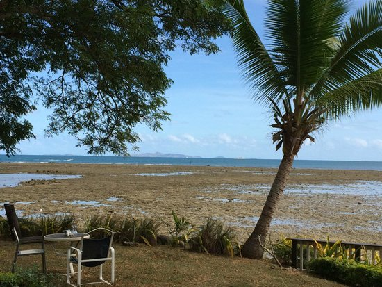 First Landing Beach Resort & Villas: View at low tide from room