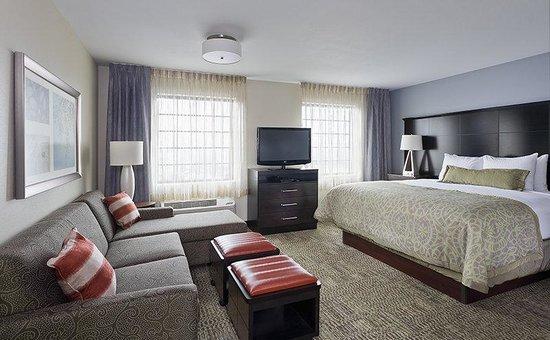 Staybridge Suites Montgomeryville: Kick back and relax in your king studio