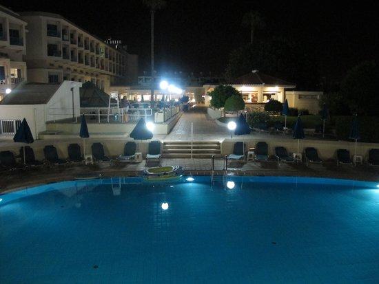 Kissos Hotel: Lagoon Pool
