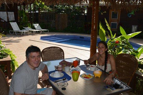 Garden of Eden Inn : Excelente vista mientras disfrutamos un delicioso desayuno.