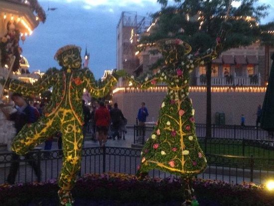 Disney's Hotel Santa Fe: Aiuole parco