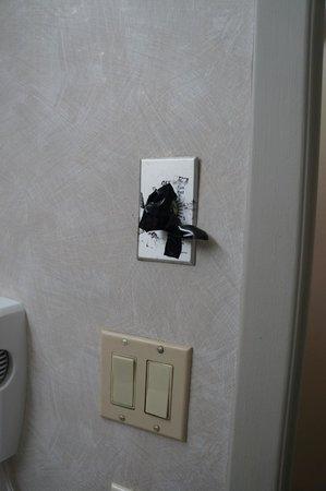 Hotel des Arts : broken switch