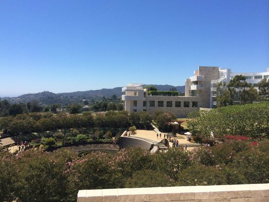 Getty Center : View from the West pavillion overlooking the garden
