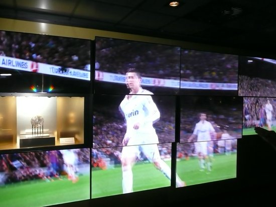 Santiago Bernabeu Stadium: Video wall