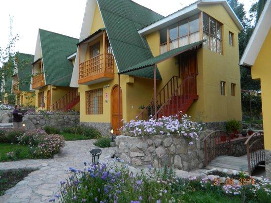 Amaru Valle Hotel: Jardines bellisimos