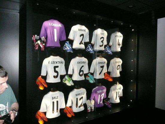 Stadio Santiago Bernabeu: Players