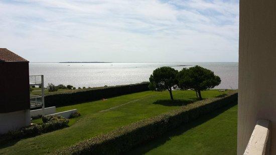Mercure Les 3 Iles Chatelaillon Plage : vue  de la chambre (non vue océan)