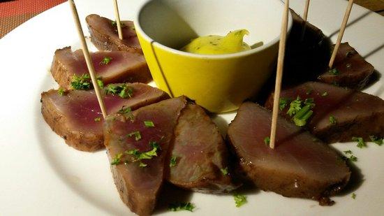 La Bobine : Tuna. Raw marinated in vinegraitte.