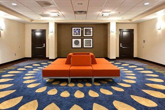 Holiday Inn & Suites Atlanta Airport - North: Pre-function Area