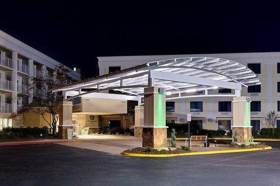Holiday Inn & Suites Atlanta Airport - North: Entrance