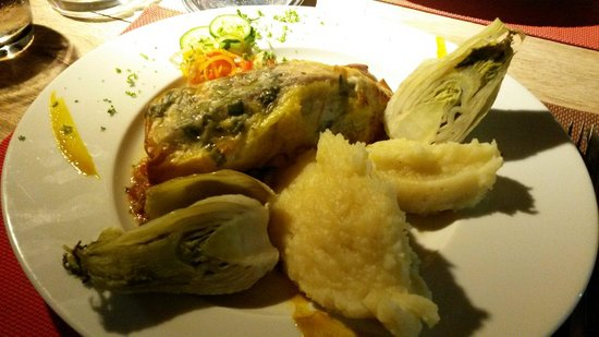 La Bobine : Marlin in filo pastry with mashed potatoes