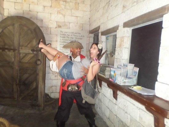 Pirates of Nassau Museum: Being kidnapped